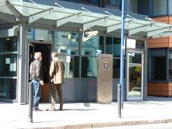 Bild: Eingang vom Amtsgericht Offenbach am Main